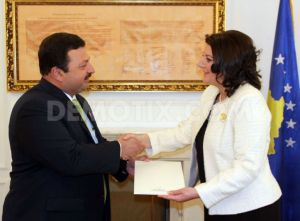 1359467752-special-envoy-of-pakistan-visits-kosovo_1758285