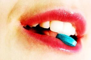 woman-with-blue-pill(1)