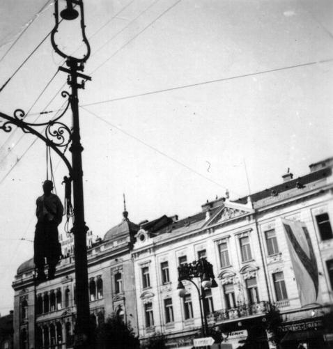 Vesanje-na-Terazijama_Beograd_1941-Muzej-revolucije-naroda-Jugoslavije-5.jpg