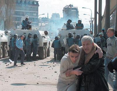 Kosovo Kristallnacht 17-18 March 2004: The pogrom