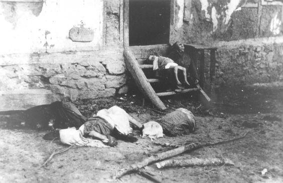 Serbian family slaughtered by their Cro and Musl neighbors eastern BiH WW II.jpg